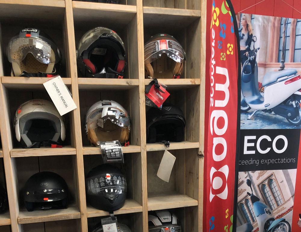 helmen scootershop barendrecht