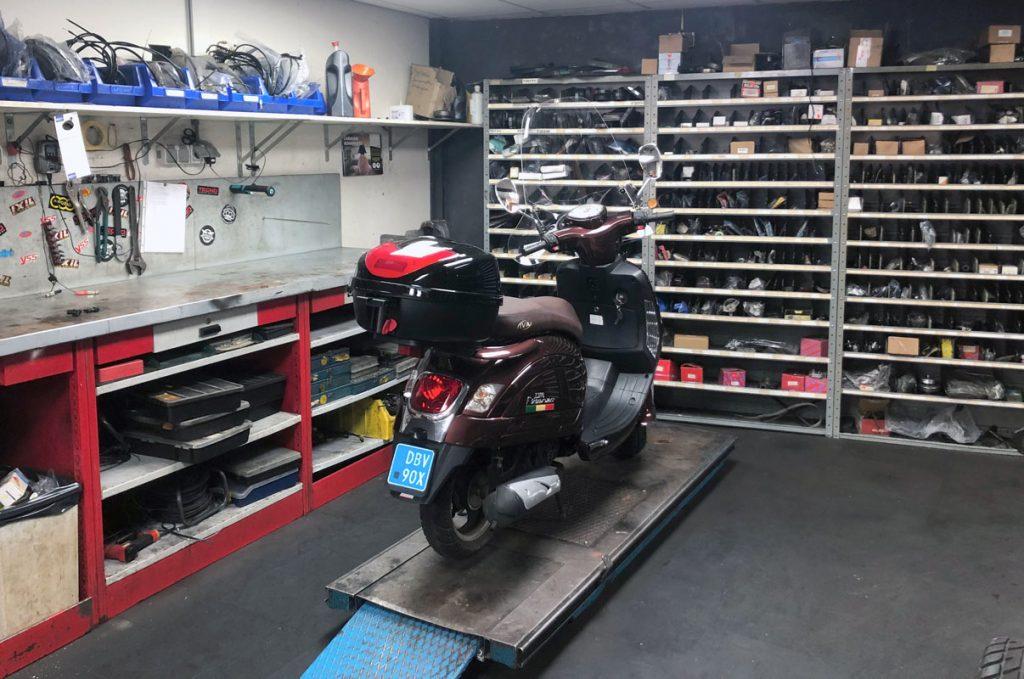 werkplaats scootershop barendrecht